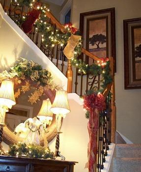 decorar las escaleras en Navidad