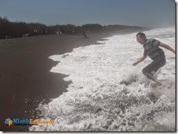 Ombak Pantai Baru Bantu Kisah Foto_05