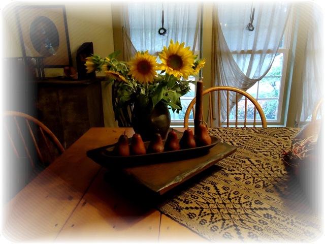 [Sunflowers%2520dining%2520room%255B4%255D.jpg]