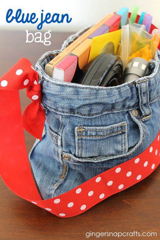 Blue Jean Bag Tutorial at GingerSnapCrafts.com #tutorial #upcycle #recycle