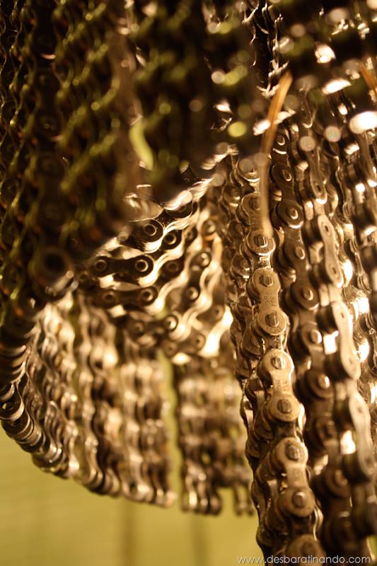 lustres-feitos-com-correntes-de-bicicleta-desbaratinando (13)
