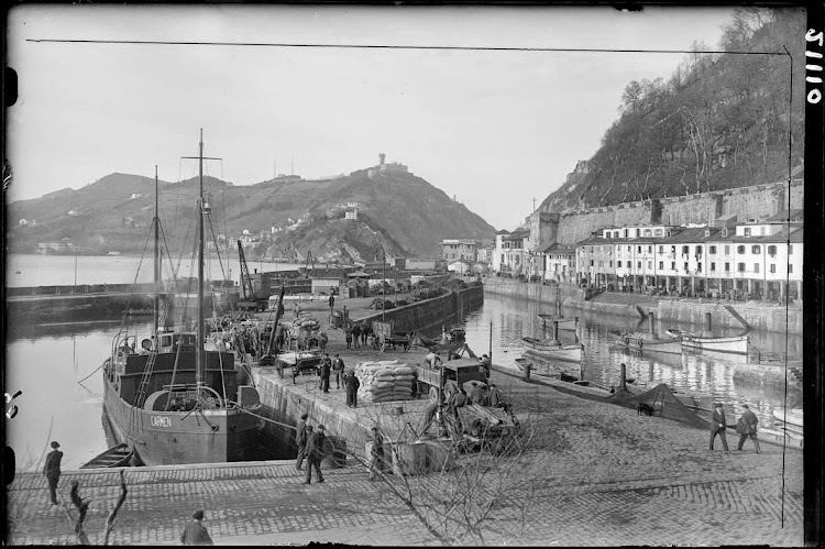 El CARMEN en San Sebastian. Fecha indeterminada. Foto Loty. Biblioteca Nacional de España.jpg