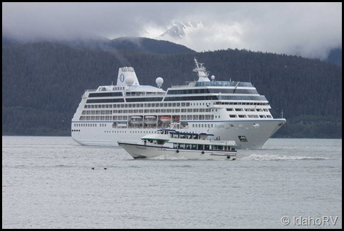 Cruise-Ship-Leaving-6
