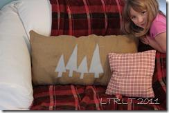 Felt Tree & Burlap Pillow 3