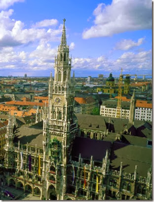Munich_city_hall_from_air