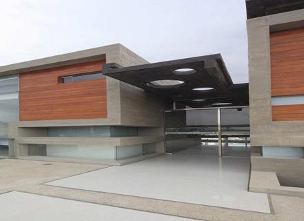 fachada-hormigon-casa-longhi-arquitectos