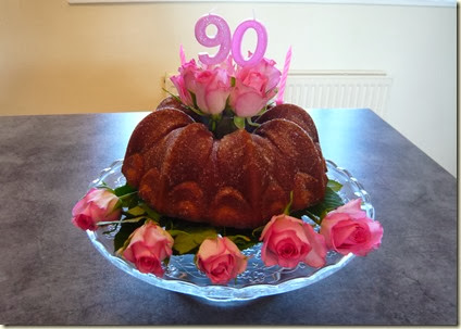 birthday bundt