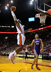 lebron james nba 121105 mia vs phx 13 King James wears 5 Colorways of Nike LeBron X in 6 Games