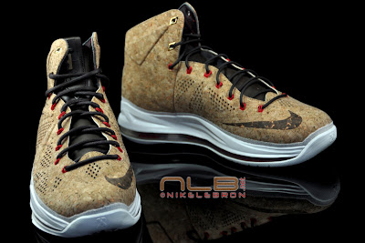 lebron10 nsw cork 38 web black The Showcase: NIKE LEBRON X Cork World Champions Shoes