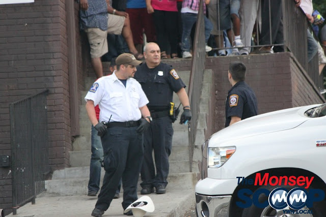 2 Injured & Arrested After Fight On Maple Ave (Moshe Lichtenstein) - IMG_2969.JPG
