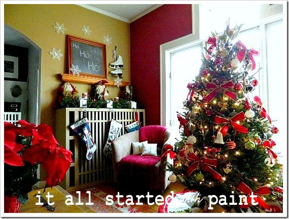xmas home tree and mantel (550x413)-1
