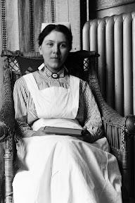 Krankenschwester eines Lazaretts während des Ersten Weltkrieges, Scan vom Glasnegativ, ca. 1914 - 1918