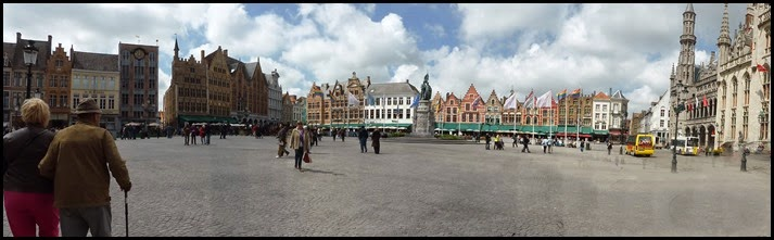 main square Bruges_edited-1