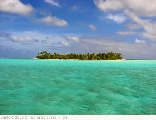 'Atoll Island' photo (c) 2008, Christina Spicuzza - license: https://creativecommons.org/licenses/by-sa/2.0/
