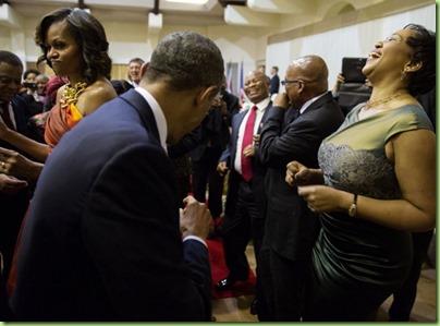 mo bo First Lady Thobeka Madiba-Zumaat dancing