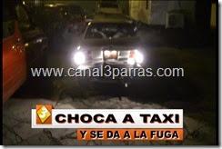 IMAG. CHOCA A TAXI Y SE DA A LA FUGA.mp4_000032899