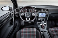 2014-VW-Golf-GTI-3