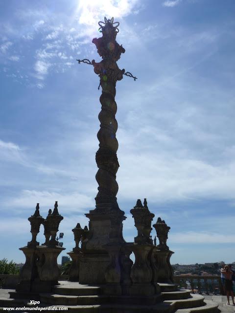 pelourinho-catedral-oporto.JPG