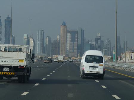Dubai modern: la drum spre safari