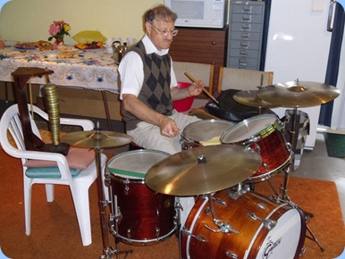 Damien Shalfoon accompanied John Bercich on one of his drum sets. Damien was a guest from the Eastern Suburbs Organ Society.