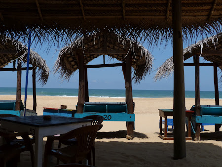 Plaje Sri Lanka: baldachine pe plaja