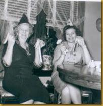 8 1962_NewYears_GmaKnutz_AuntMabel
