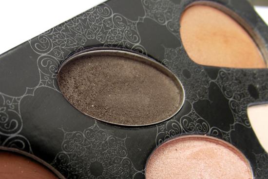 Estojo de Maquiagem Panvel - Detalhe Sombra Marrom