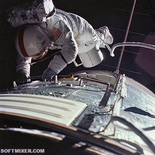 ron-evans-spacewalk-as17-152-23391
