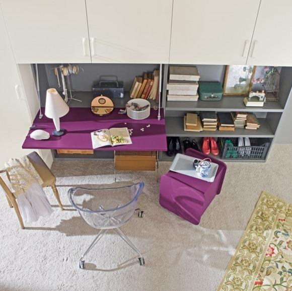 escritorio púrpura