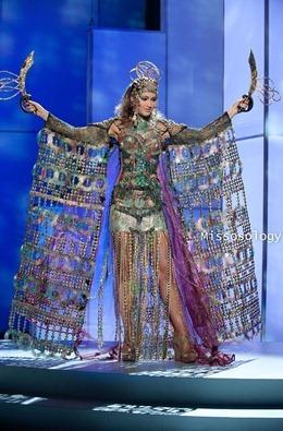 miss-uni-2011-costumes-52