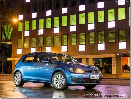 Volkswagen-Golf_Mk_VII_UK-Version_2013_800x600_wallpaper_02 (1)