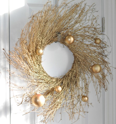 Glittery Gold Whispy Wreath