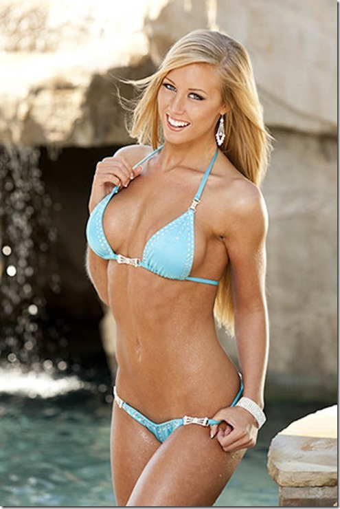 hooters-swimsuit-2013-21