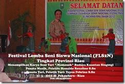 """Tari """"Mamosok"""" di Festival Lomba Seni Siswa Nasional, FLS2N TIngkat Provinsi Riau (3)"""