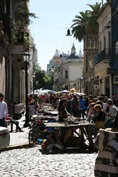 San Telmo Street Fair, Buenos Aires, Argentina by jlaceda, on Flickr [used under Creative Commons license]