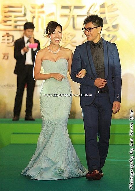 STARHUB TVB AWARDS 2012 Selena Li Sze Wan Ruco Chan Chin Pang HONG KONG CELEBRITIES WINNERS KEVIN CHENG  MYOLIE WU  LINDA CHUNG SUNNY CHAN  MOSES CHAN TAVIA YEUNG  GRASSHOPPER AT MARINA BAY SANDS SINGAPORE   GREEN CARPET GALA NIGHT
