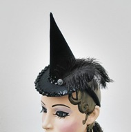 satanica mini witch hat