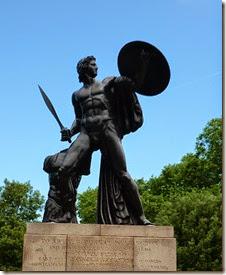 4 wellington statue