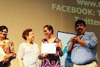 Trixia recibe un reconocimiento por su conferencia