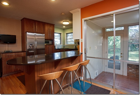 735 W B Avenue_kitchen3