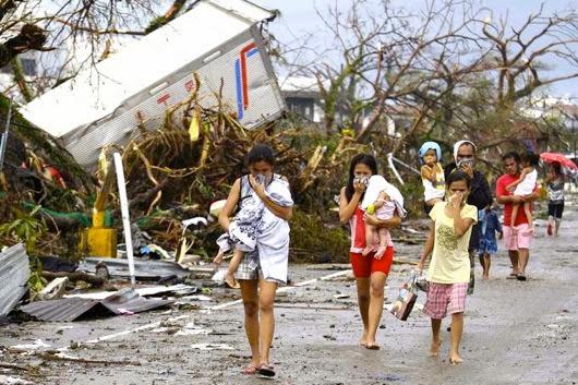 1384070644000 AP Philippines Typhoon 003