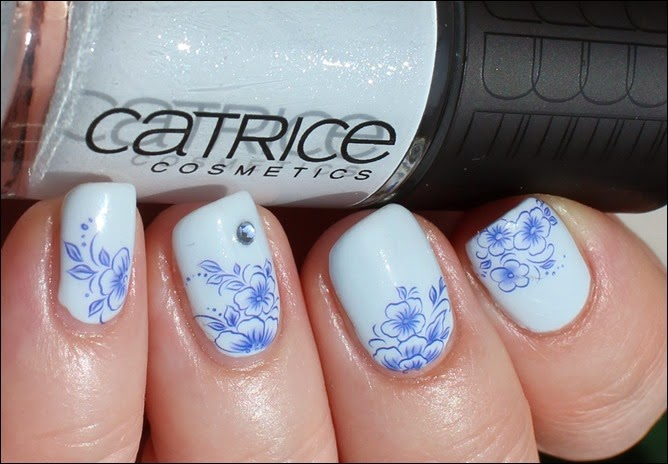 Blue Friday Flowers Blaue Blümchen Mottomonat Blütenzauber Nail Art Nageldesign Water Decals 01