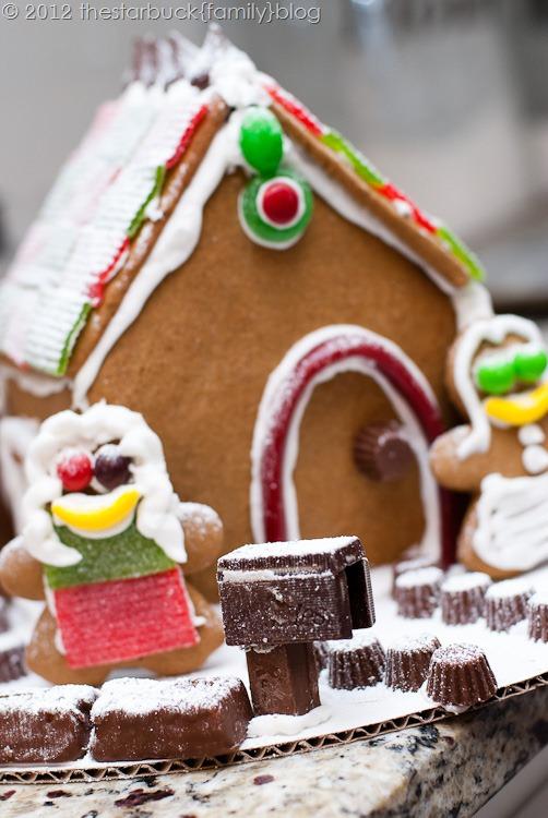 Gingerbread Houses 2012 blog-31
