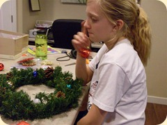 Wreath Making (5) (Medium)
