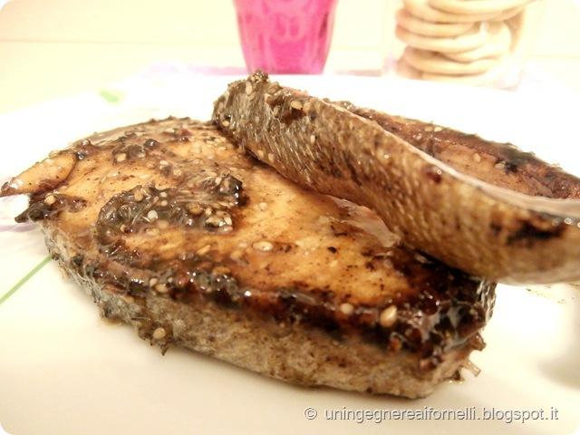 salmone glassato aceto balsamico sesamo