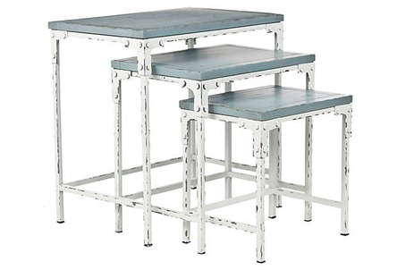 leila-stacking-tables