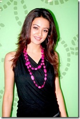 surveen chawla stylish
