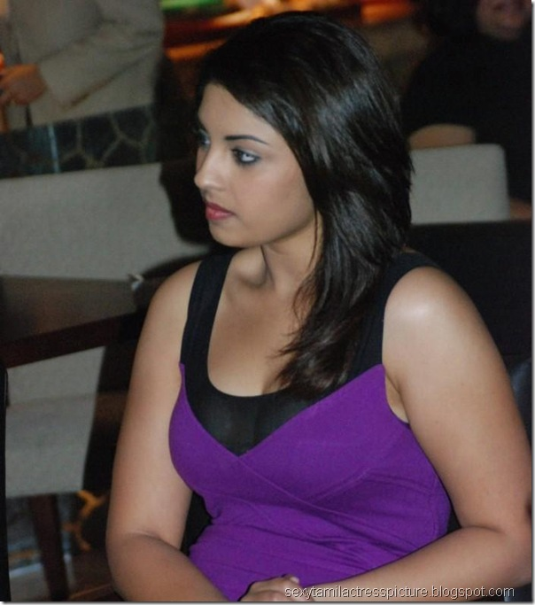 actress-richa-gangopadhyay-hot-exposing-boobs-images