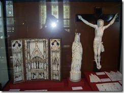 2013.04.26-013 ivoires dans la salle gothique