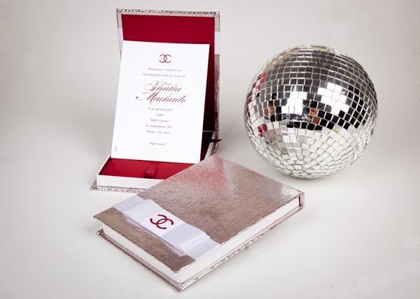 thalia convite personalizado 15 anos prata e vermelho caixa IMG_3887 (6)